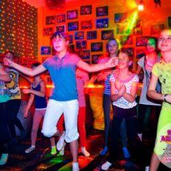 аниматор танцевальная вечеринка на день рождения
