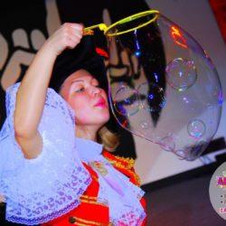 шоу мыльных пузырей на день рождения с погружением