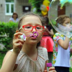 аниматоры на детский день рождения в школу Москва