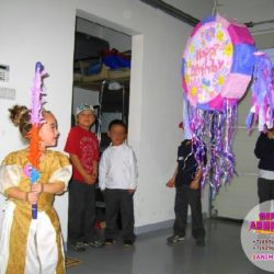 пиньята детям на праздник