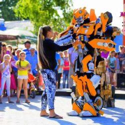 шоу роботов - трансформеров на праздник