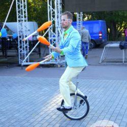 жонглёр на день рождения