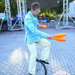 жонглёр на детский день рождения