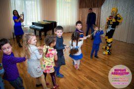 ребенок праздник метро Октябрьская