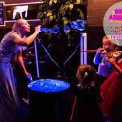 неоновое мыльное шоу в кафе на день рождения