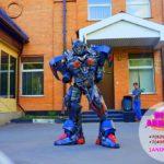 шоу роботов трансформеров на выпускной