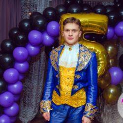 Принц в гостях у детишек